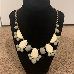 Kate spade necklace with dust bag